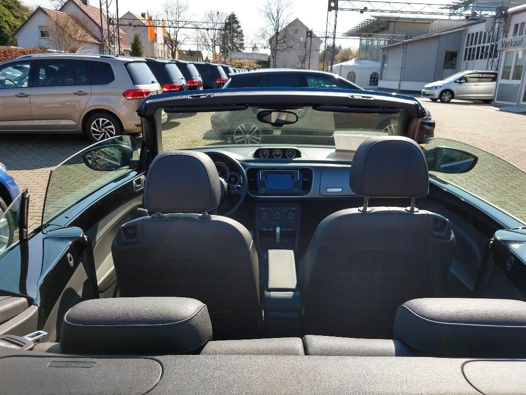 Innenraum des VW Beetle Cabrio TDI